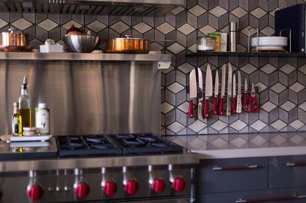 Midcentury Kitchen by ARTO