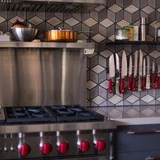 Contemporary Kitchen by ARTO
