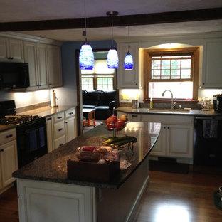 Modern kitchen remodeling - Inspiration for a modern kitchen remodel in Boston