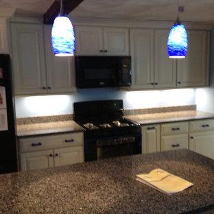 Modern kitchen inspiration - Kitchen - modern kitchen idea in Boston