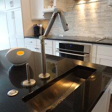 Modern Kitchen by Sarah J.