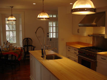 Traditional Kitchen by DiGuiseppe Architect