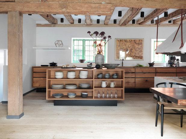 Rustikal Küche by Garde Hvalsoe