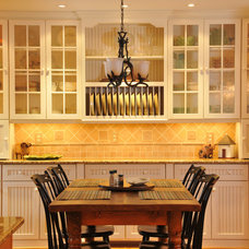 Traditional Kitchen by Julie Fifield