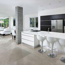 Modern Kitchen by Elad Gonen
