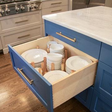 Dinnerware drawer