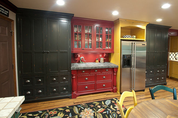 Rustic Kitchen by National Woodwork