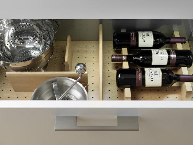Современный Кухня by Divine Design+Build