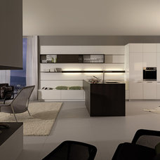 Modern Kitchen by Divine Design+Build