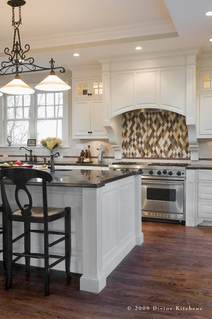 traditional kitchen by Divine Kitchens LLC