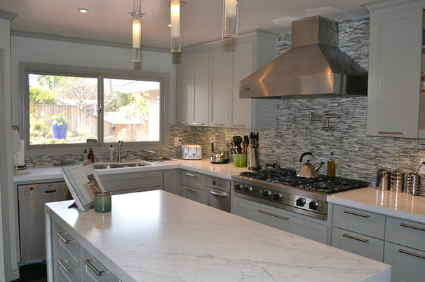 Contemporary Kitchen by Donahue Paye Interior Design
