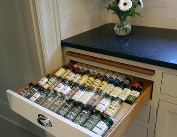 Donna & Bill's Classic Compact Kitchen