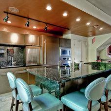 Contemporary Kitchen by DORAIN G MUNCEY INTERIORS