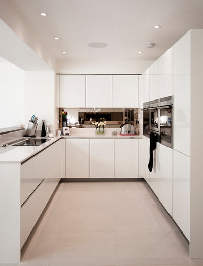 Contemporary Kitchen by rjha