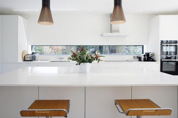 Contemporary Kitchen by JCJ Construction
