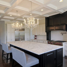 Traditional Kitchen by Douglas Homes Inc.
