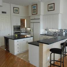 Modern Kitchen by Stone Studio,Inc.