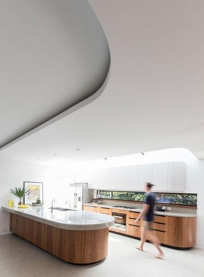 Современный Кухня by Sam Crawford Architects