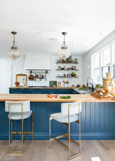 Beach Style Kitchen by Corre Marie