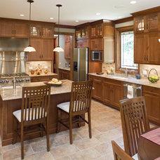 Craftsman Kitchen by Studio21 Architects
