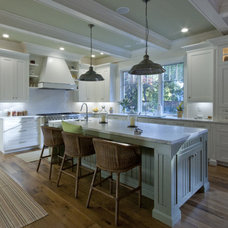 Traditional Kitchen by Stewart Associates Architecture & Interiors