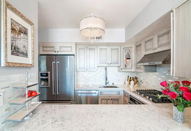 Современная классика Кухня by Coastal Home Design Studio