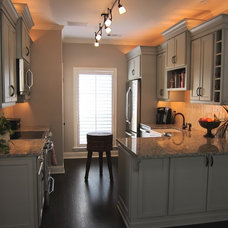 Eclectic Kitchen by Kitchens Unlimited - Dottie Petrilak, AKBD