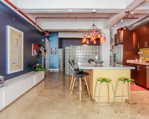 cuisine avec une cr dence en carreau de c ramique et un plan de travail en zinc photos et. Black Bedroom Furniture Sets. Home Design Ideas