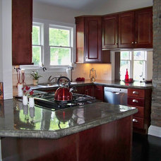 Traditional Kitchen by Absolute Makeover