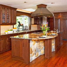 Traditional Kitchen by Kitchen Plus