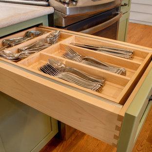 Drawer Organization in Kitchen