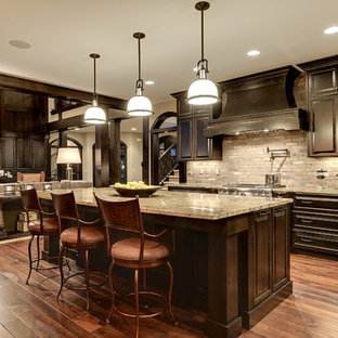 Transitional kitchen designs - Example of a transitional kitchen design in Minneapolis