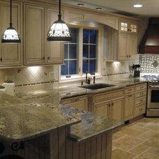 Traditional Kitchen by Master Kitchen & Bath Design LLC