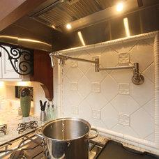 Mediterranean Kitchen by Dreambuilder Custom Homes