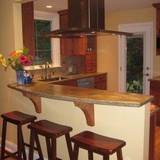 Traditional kitchen designs - Example of a classic kitchen design in Philadelphia