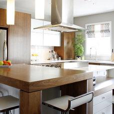 Contemporary Kitchen by Un Fauteuil Pour Deux