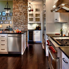 Traditional Kitchen by DiYanni Custom Homes