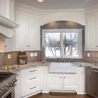 Large Elegant U Shaped Medium Tone Wood Floor Kitchen Photo In Columbus With A Farmhouse