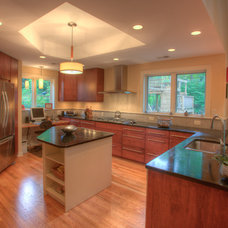 Traditional Kitchen by DuBro Architects + Builders