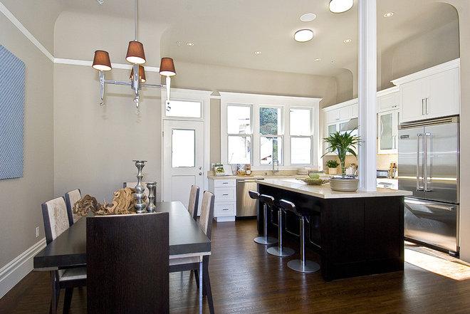 Modern Kitchen by Kitchens of Diablo