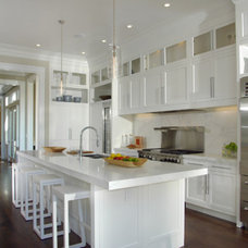 Traditional Kitchen by John Lum Architecture, Inc. AIA