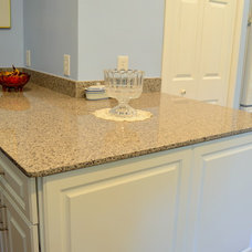 Farmhouse Kitchen by Johnny Rhino Residential Remodelers