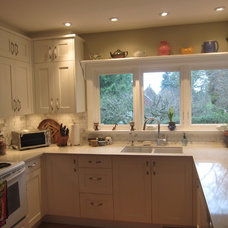 Traditional Kitchen by DjB Design