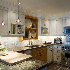 Traditional Kitchen by Interior Solutions Design Group Inc.