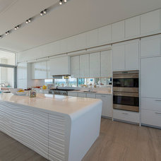 Contemporary Kitchen by JKRC- Jason Klinge Residential Contracting
