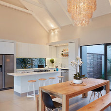 Contemporary Kitchen by LevEco Architects