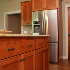 Traditional Kitchen by Howard Homes, Inc.