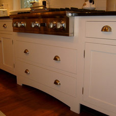 Traditional Kitchen by Matthew Orns