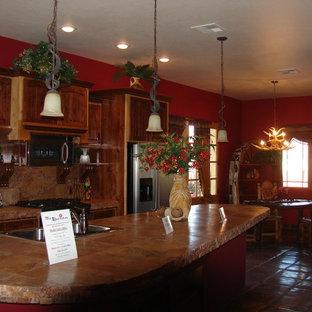 Southwestern kitchen remodeling - Inspiration for a southwestern kitchen remodel in Phoenix