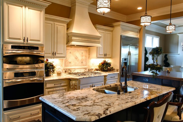 Traditional Kitchen by Robin Straub